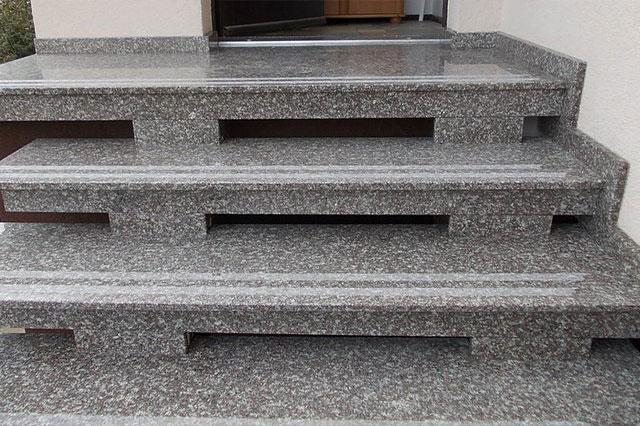 schody 19
