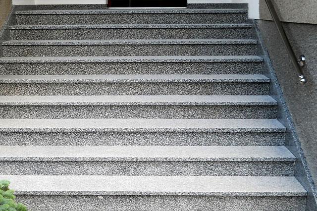 schody 25